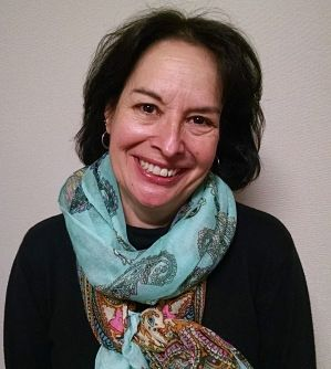 Mary Lynn Naughton headshot